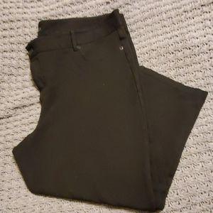 Maurices Black skinny Crop pants